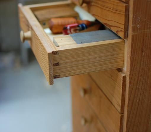 sharpening stand open drawer